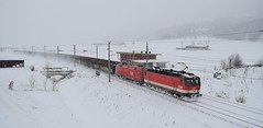 Braving the elements_Blizzard Conditions_Kirchberg in Tirol_050117_01 (DS 90008) Tags: obb obbcargo locomotive 1144s 1116s 1144243 1116137 taurus taurusloco kirchberg freight electricloco electrictraction electricfreight wagons cargowagons freightloco pantograph snow winter austria austrian landscape engineering station