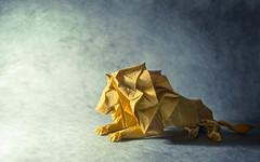Even kings must rest (Masamune81) Tags: origami hideo komatsu lion fish papel leon pez papiroflexia arte art