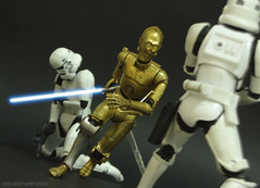 Jedi C3PO (Rezso Kempny) Tags: star wars hasbro black series 6 inch inches stormtrooper kaiyodo revoltech legacy revo c3po lightsaber jedi fight showdown