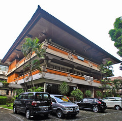 Gedung Denpasar Art Centre (That's not the way Debbigail depicted (using album) Tags: denpasar bali building gedung architecture arsitektur office kantor