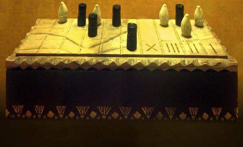 "Senet - Lujoso sistema de objetos lúdicos obsequio del dios Toht a la faraona Nefertari • <a style=""font-size:0.8em;"" href=""http://www.flickr.com/photos/30735181@N00/32521949155/"" target=""_blank"">View on Flickr</a>"
