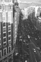 Asfalto (pinhead1769) Tags: madrid espaa building cars blancoynegro atardecer blackwhite spain traffic asfalto coches granva trafico bwdreams