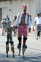 Stilt Walker in Training (Chicago John) Tags: seattle fair fremont parade solstice 2015 fremontfair