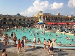 Les bains achalandés de Szechenyi