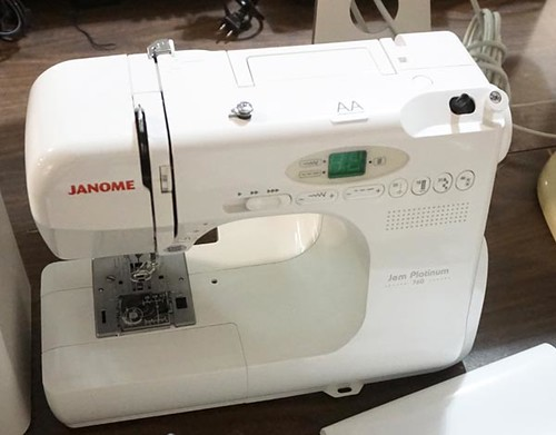 JANOME Jem Platinum 760 and JANOME FM 725 sewing machines ($257.60, $89.60)
