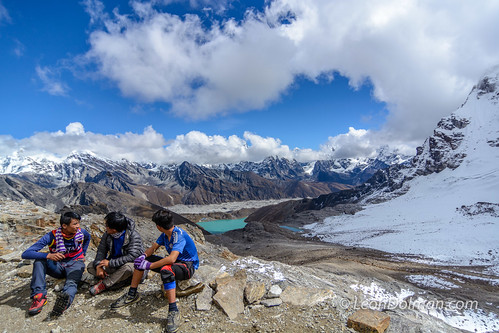 2016-10-11 - Renjola Gokyo Everest BC trek - Day 08 - Lumde to Gokyo over Renjo La Pass - 112147.jpg