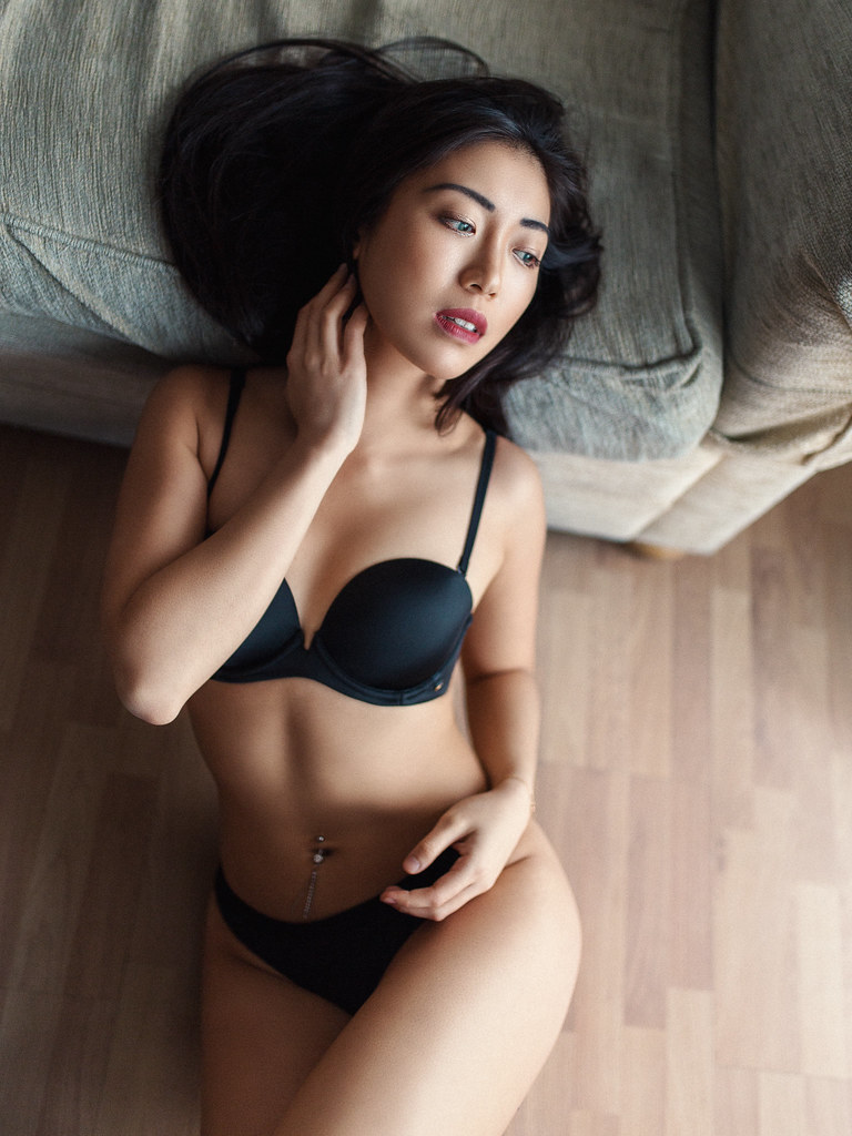 sensual asian girls