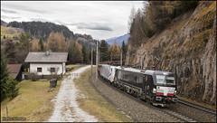 25 november 2016 - Lokomotion 193 873 + 189 907 - Gries am Brenner (EnricoSchreurs) Tags: lokomotion vectron br193 193 873 br189 189 schroot trein train zug 44131 railway spoor track gries am brenner austria oostenrijk november 2016 canon eos 6d 907