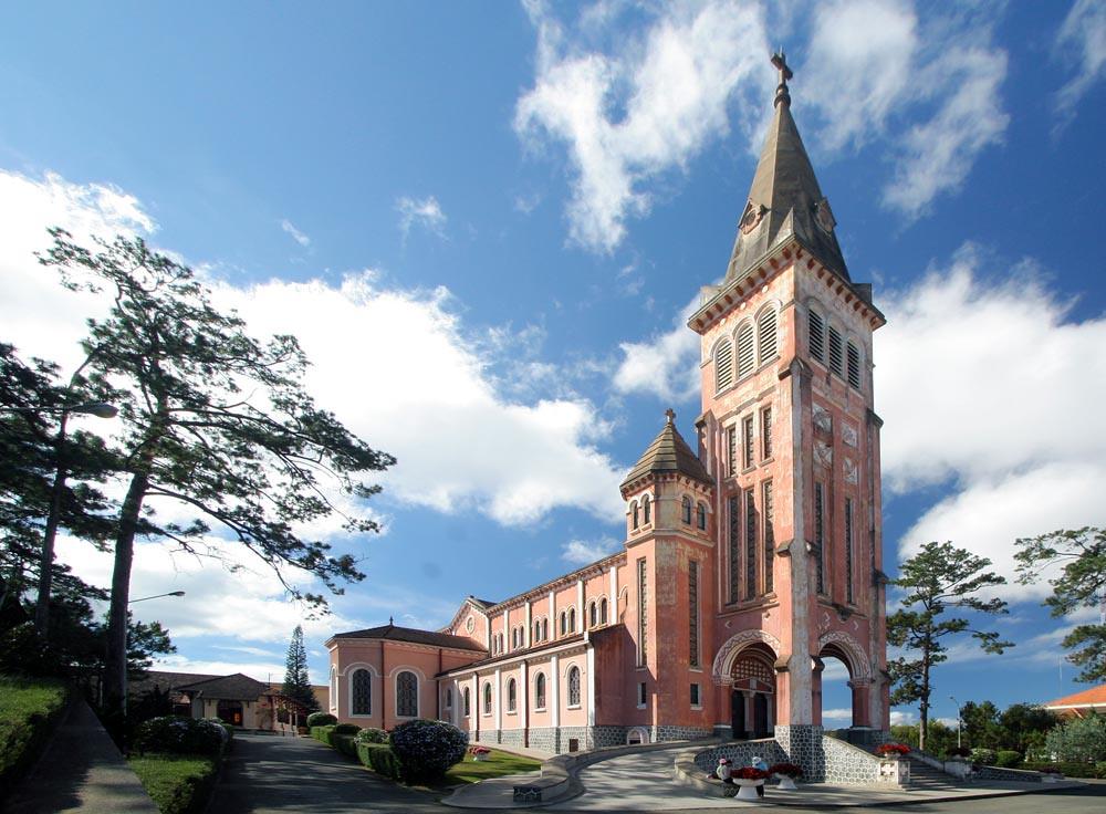 Nhà thờ Con Gà – Đà Lạt