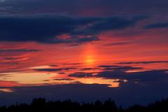 Light in the sky (Kirkleyjohn) Tags: sunset sky color colour atardecer evening suffolk skies sonnenuntergang pôrdosol sunsetlight anochecer eveninglight coucherdusoleil