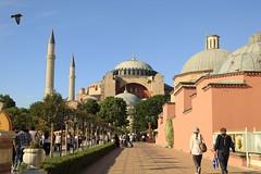 aya sofia (sandnfoam) Tags: architecture turkey europe muslim islam istanbul mosque cami masjid hagiasofia ayasofia mesquita sooc canoneosrebelt1i