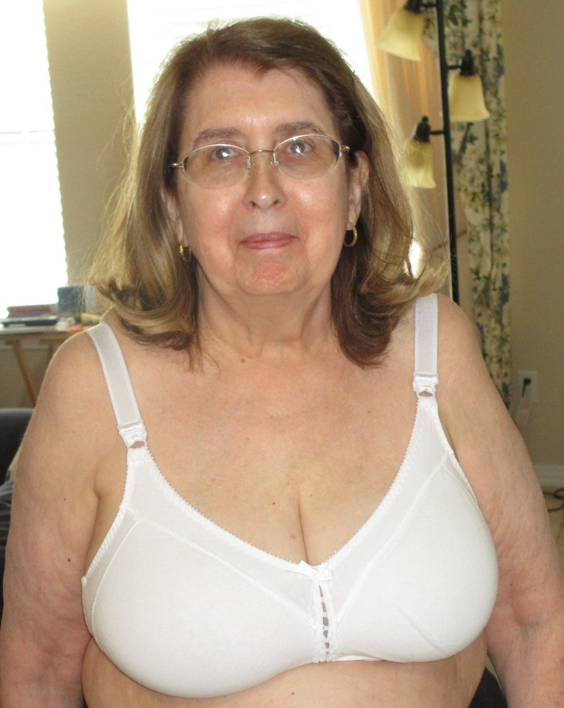 Busty Mature Picture 74
