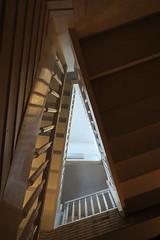 Brownie (coastwalker) Tags: architecture stairs steps perspective stairwell stairway treppe escalera staircase architektur escalier treppenhaus escadaria 阶 coastwalker