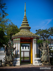 Architecture Thaï (CH-Romain) Tags: temple thai thailand thailandais tradition thailande statue pierre asia asiatique asie architecture wat pho bangkok bouddha bouddhisme bouddhist bouddiste