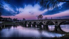 Le jour se lève... (Fred&rique) Tags: lumixfz1000 photoshop cameraraw hdr petitmatin hérault béziers pont vieux orb rivière bleu ciel reflets