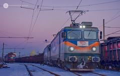Pulling the copper again (cossie*bossie) Tags: brc le5100 060ea asea electroputere bzk bulgarian railways copper conecntrate train burgas freight double traction electric locomotive dusk bulgaria