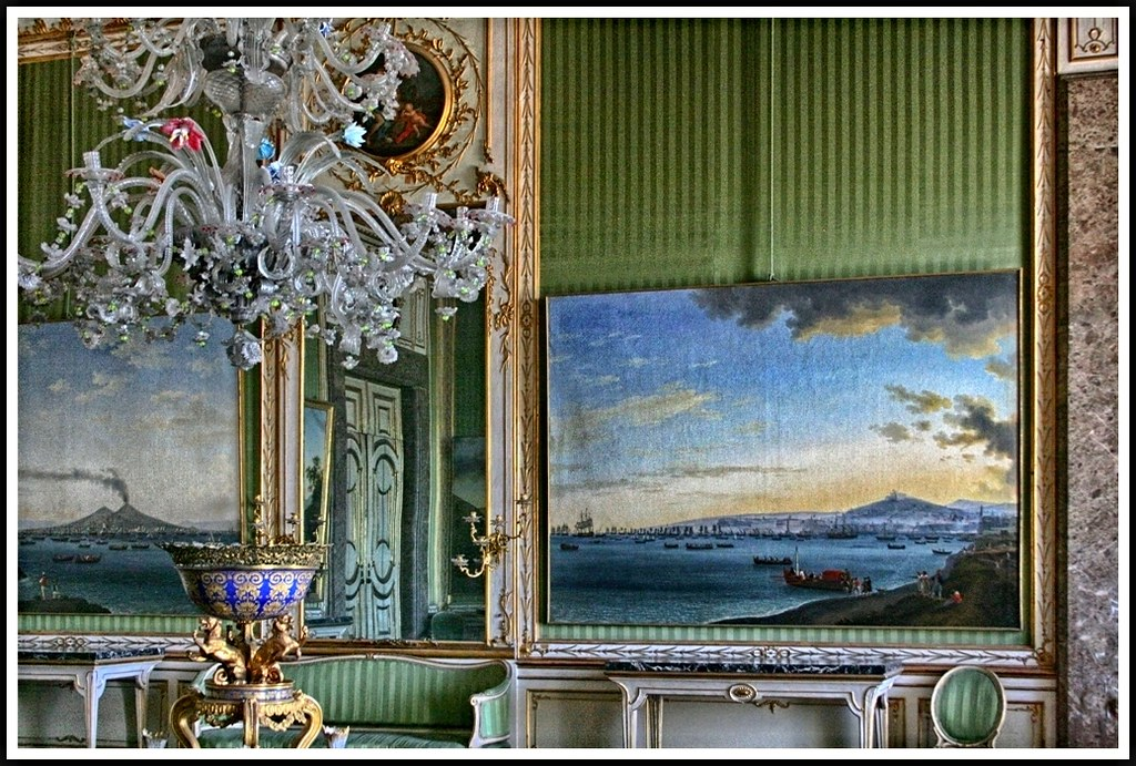 ... caserta stanze rooms campania italia italy arredi lampadari wow