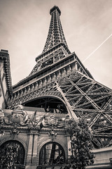 The Las Vegas Eifel tower (DST-photography) Tags: classic car zwerver old new rich poor black white chrysler highway las vegas gambling casino ceasars palace balagio machine eifeltower paris france mirror buildings sky scraper night interstate america usa bw daan steinhaus dstphotography aviatioin