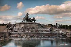 Churchillparken (adrivallekas) Tags: park trip travel sculpture art water fountain statue canon copenhagen denmark waterfall bull churchill dinamarca mirrow kobenhavn copenhague churchillparken 70d