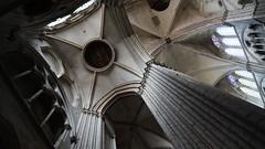 Cathdrale Saint Etienne de Bourges (sOoZ__) Tags: saint bourges construction photographie cathdrale etienne gothique 1185