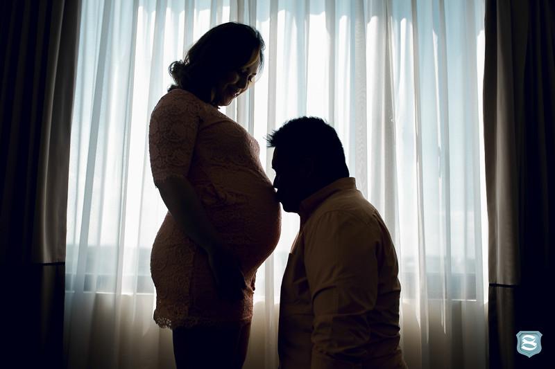 maternity lifestyle photographer