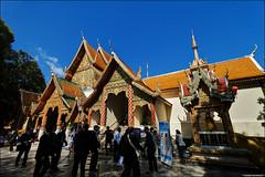 Wat Phrathat Doi Suthep (TOMMY AU PHOTO) Tags: watphrathatdoisuthep watdoisuthep temple buddhist buddhism tourists blue sky catchycolorsblue chiangmai thailand