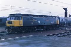 BRITISH RAIL 47617 UNIVERSITY OF STIRLING (bobbyblack51) Tags: british railways class 474 brush type 4 sulzer coco diesel locomotive 47617 university of stirling carstairs 1987
