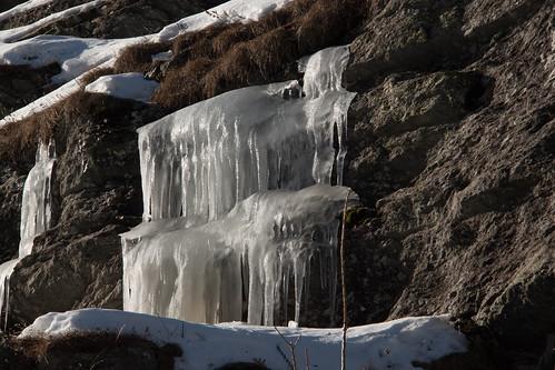 Rifugio Willy Jervis, Corone di ghiaccio