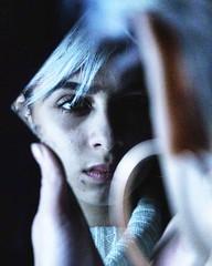 Studio (leadcq_) Tags: portrait model personne miror earing white grey hair dark black pensive miroir