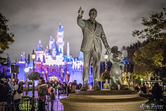 Walt and Mickey 2 (Pirate Scott) Tags: anaheim california unitedstates us disney disneyland canoneos5dmarkiv waltandmickey waltdisney mickeymouse sleepingbeautycastle