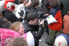 flickr tag (icopythat) Tags: nyc fun fight feathers pillow gothamist unionsquare pillowfight carpeicthus newmindspace pillowfightnyc wwwnewmindspacecom newmindspacepillowfight nycpillowfight flickr:user=carpeicthus