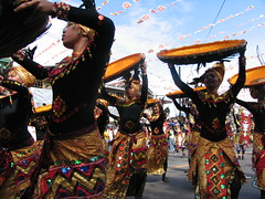 sinulog 2006 - alsa (adlaw) Tags: festival colorful dancers philippines cebu cebucity sinulog stonino sinulog2006 cebusugbo