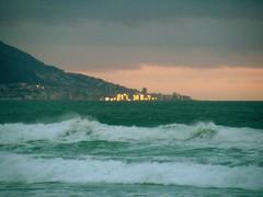 Stad van Goud / City of Gold (Lollie-Pop) Tags: seapoint seepunt zuidafrika waves suidafrika sudafrica southafrica see sea ocean kaapstad cittdelcapo capetown branders afriquedusud afrika africa tag1 tag2 tag3 taggedout
