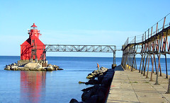 Sturgeon Bay Ship Canal Pierhead Light (joeldinda) Tags: blue light red lighthouse wisconsin catchycolors bay canal ship lakemichigan greatlakes 15favs sturgeon pierhead joeldinda