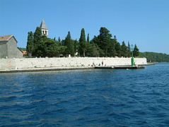 Cemetery on the sea (Snazzo) Tags: 2005 vis croatia vacanze snazzo holyday mediterranean