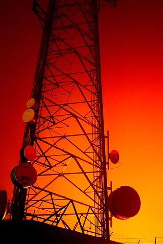 Transmission Tower / Thomas Hawk