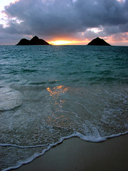 Lanikai Sunrise (Hawaiian beach) Tags: sun reflection beach sunrise hawaii sand oahu kailua lanikai mokes