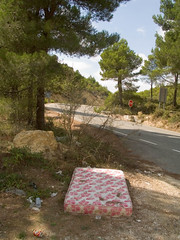 Garbage (Not forgotten) Tags: spain junk matress garbage roadside comunitatvalencia
