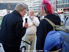 ffm - montagsdemo 58 (1) (ds-foto :: bembelkandidat) Tags: frankfurt mainhatten montagsdemo bembelkandidat hauptwache hartz hartziv city demo demonstration punker