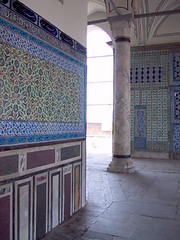 Tile & marble frescoes, Topkapı Palace, Istanbul (birdfarm) Tags: freeassociation turkey tile türkiye istanbul badge ottoman topkapıpalace İstanbul topkapi topkapı ottomanarchitecture turkishtiles
