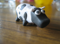 Fimo Cow by AndiH (via Flickr)