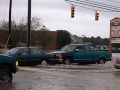 Bridger Street (US 17) (General Wesc) Tags: flood car truck uploadedbyluca washingtonnc