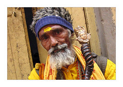 Pila baba (Elishams) Tags: portrait india yellow colours indian faith religion varanasi hindu indianarchive hinduism kashi sadhu inde benares theface uttarpradesh  indedunord