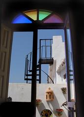 Tras la ventana (Gisa) Tags: espaa lafotodelasemana escaleras frigiliana lfscontraluces gisa