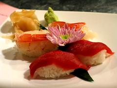 Sushi at BentoBar (kenyai) Tags: food sushi ginger wasabi tuna fiore cibo riso tonno piatto gambero amaebi zenzero nighiri