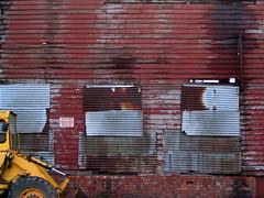 newburn (Enpixelator) Tags: newcastle peeling jcb rusty scrapyard corrugated digger corroded newburn manmande