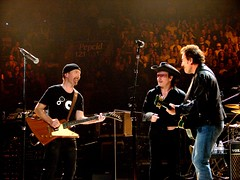 The Edge, Bono, Bruce Springsteen, 10\17\05, Philadelphia, PA, Wachovia Center (bonobaltimore) Tags: u2 bono mbk theedge rw brucespringsteen wachoviacenter philadelphiapa vertigotour2005 october172005 bonobaltimore michaelkurman mikekurman