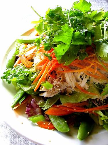 Terveellistä ruokaa source:http://www.flickr.com/photos/santos/56551859/
