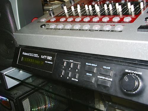 Amateur Gear Porn. EF-303 on top of mt-32.
