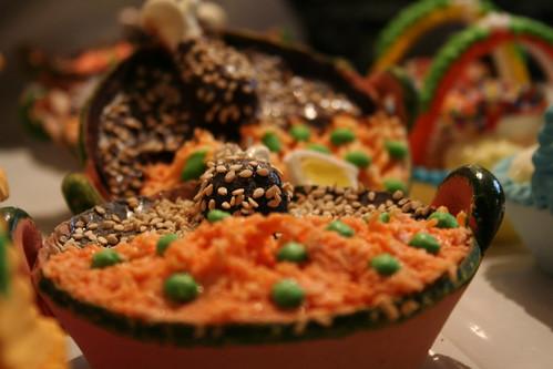 Plato de Mole (Alfeñique) -- fiestas mexico dulces diademuertos plato mole alfeñique